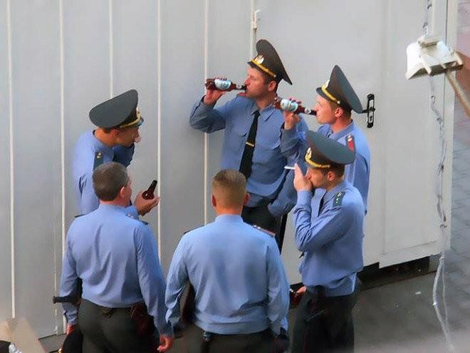 honlapkészítés és webáruház készítés keresőoptimalizálással | Rendőrök CCCP módra